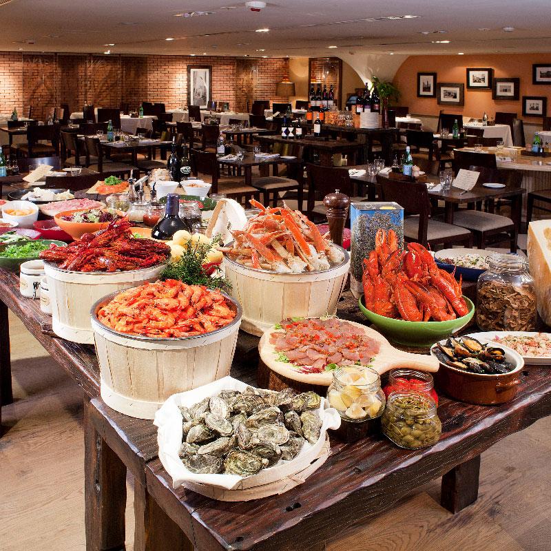 Dine at Holiday Inn Golden...