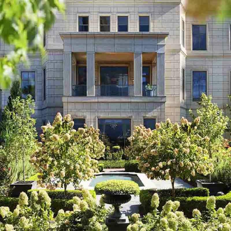 Luxury Hotels & Resorts Program